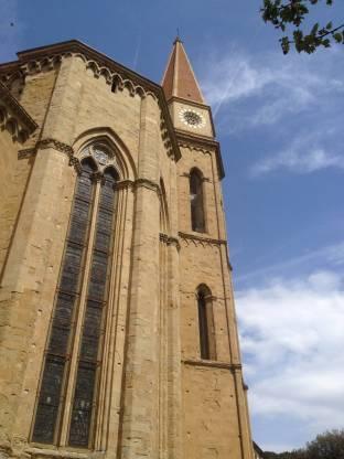 Meteo Arezzo: molte nubi sabato, variabile domenica, bel tempo lunedì