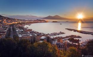 Napoli all'alba