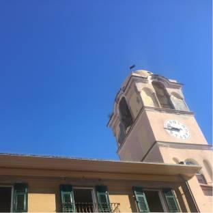 Cielo azzurro sole e neanche una nuvola
