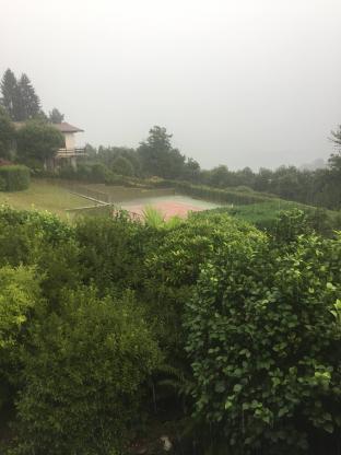 Arona piove