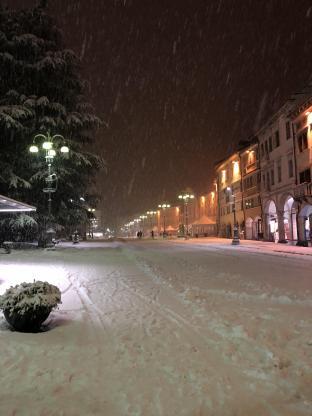 Piazza dei martiri con la neve