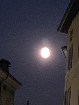 Luna piena a brescia
