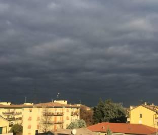E ora queste nuvole nere