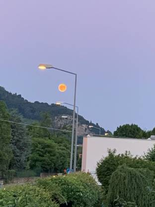 Luna infuocata in Ranica
