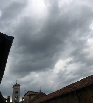 Nuvole sopra san michele