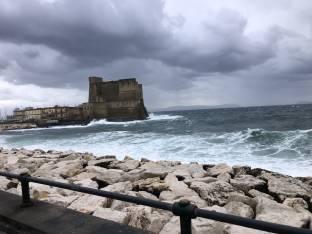 Il castello tra le onde