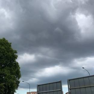 Nuvole sul quartiere lucento a Torino