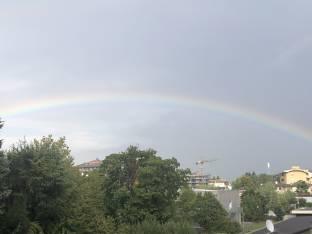 Un arcobaleno pomeridiano