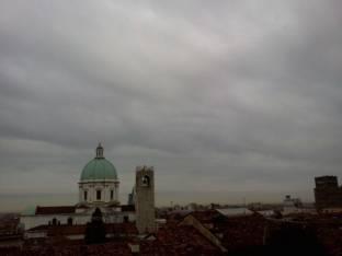 Meteo Brescia: molte nubi venerdì, qualche possibile rovescio nel weekend