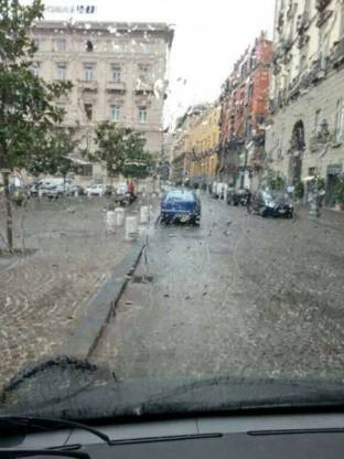 Meteo Napoli: bel tempo venerdì, temporali nel weekend