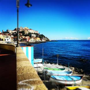 veduta di Porto maurizio