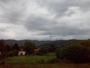 Meteo Arezzo: molte nubi lunedì, maltempo martedì, qualche possibile rovescio mercoledì