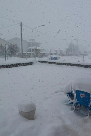 20 centimetri alle ore 14.30 e nevica