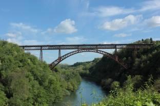 treno sul ponte san Michele