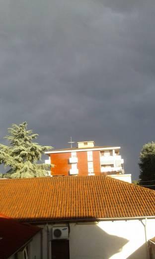 cielo scuro