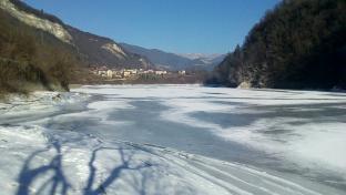 Lago del Cielo ghiacciato
