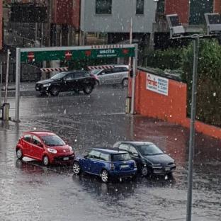 Verona borgo roma piove