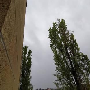 Il cielo di Latina scalo mette inquietudine