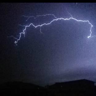 Tempesta di fulmini si abbatte su novara