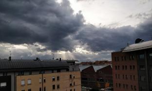 Bologna cielo corrucciato temperatura quasi mite.