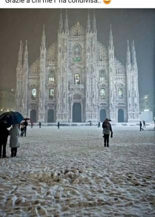 Il duomo con la neve