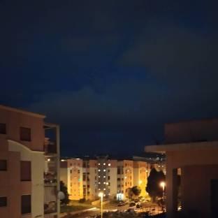 Cielo nuvoloso con qualche pioggia