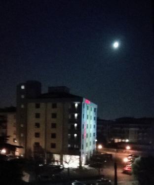 Luna gibbosa calante - fotosegnalazione di golosine verona