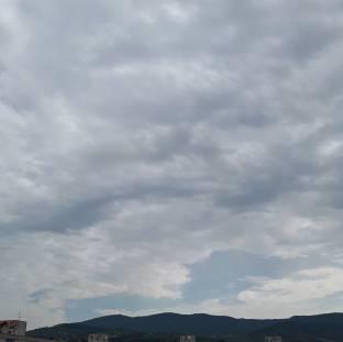Nubi sparse non cielo velato