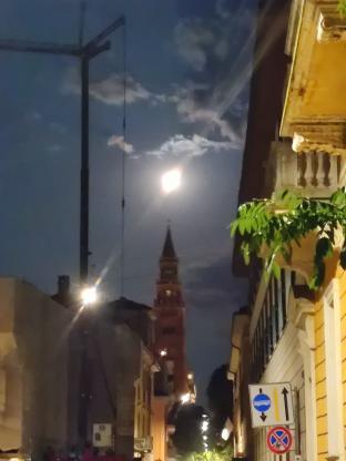 Luna e torrazzo