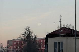 Luna al crepuscolo