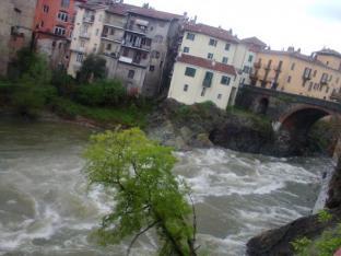 11 Dora Baltea Ivrea ponte vecchio