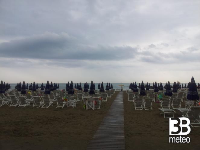 Bagno fifi foto gallery 3b meteo - Bagno firenze marina di carrara ...