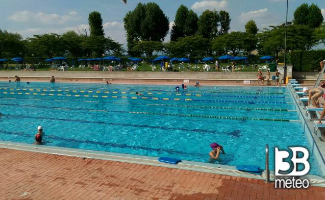 Piscine comunali di villafranca di verona foto gallery 3b meteo - Foto di piscine ...