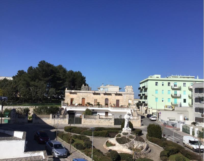 Piazza san giovanni bosco Cisternino