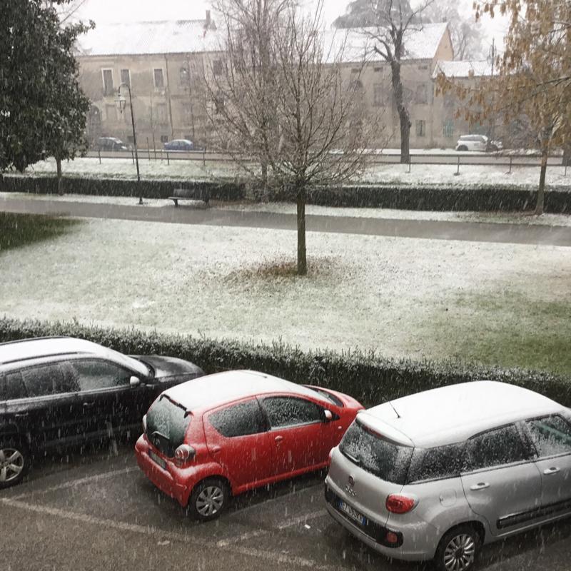 Lendinarariviera mazzini sotto la prima neve.