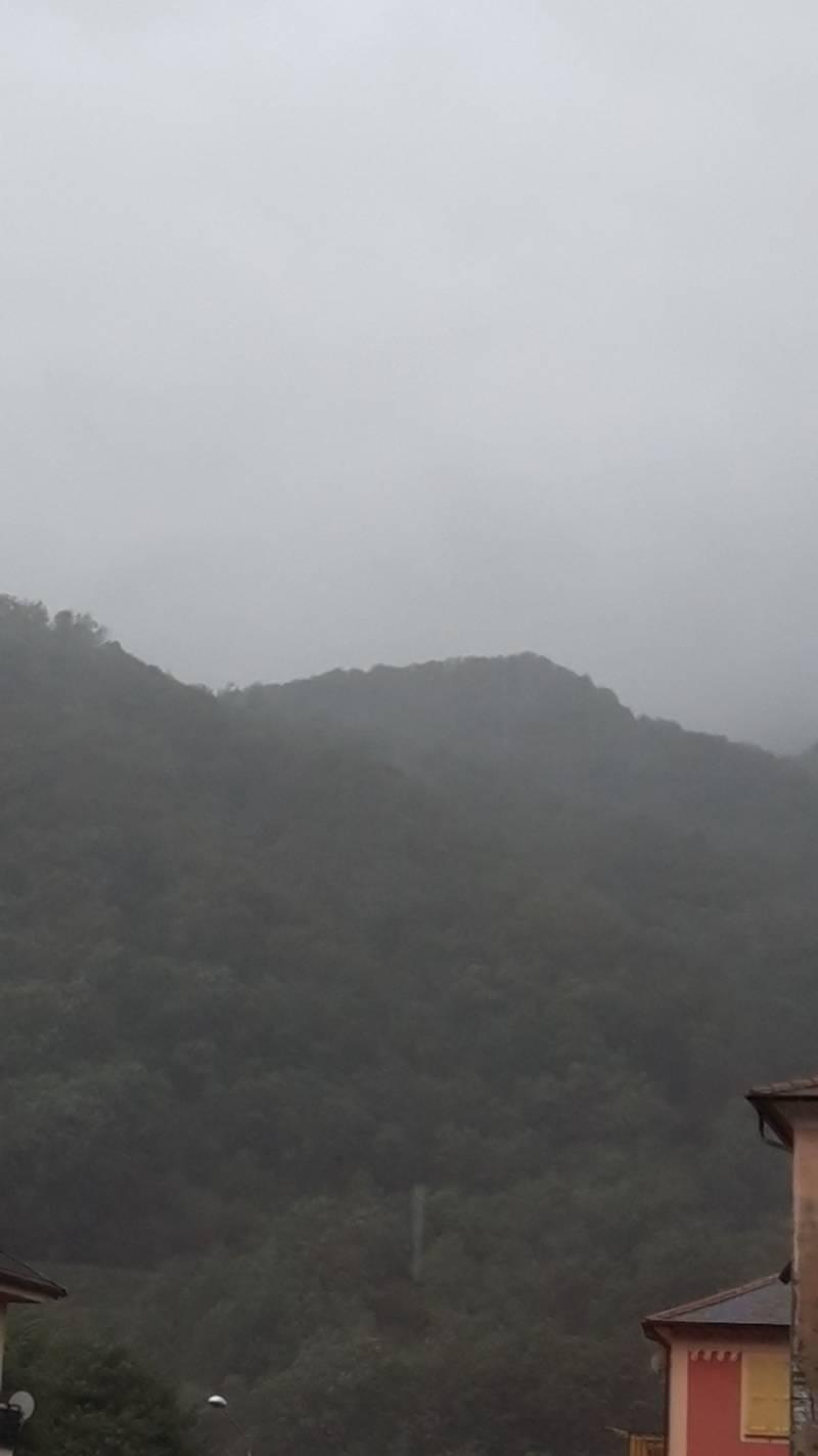 piove alla grande con vento