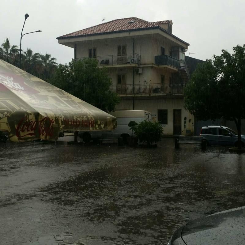 Foto Meteo: Fotosegnalazione Di Fiumefreddo Di Sicilia ...