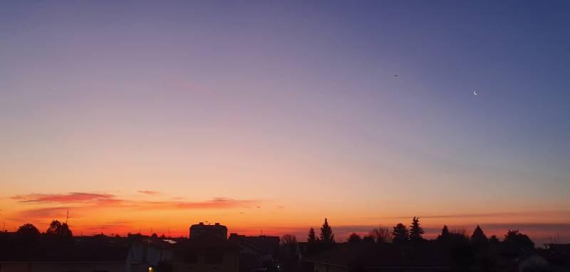 ...di nuovi l'alba e l'inizio di una luna nuova
