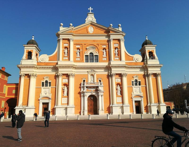 Duomo di carpi e tanto sole