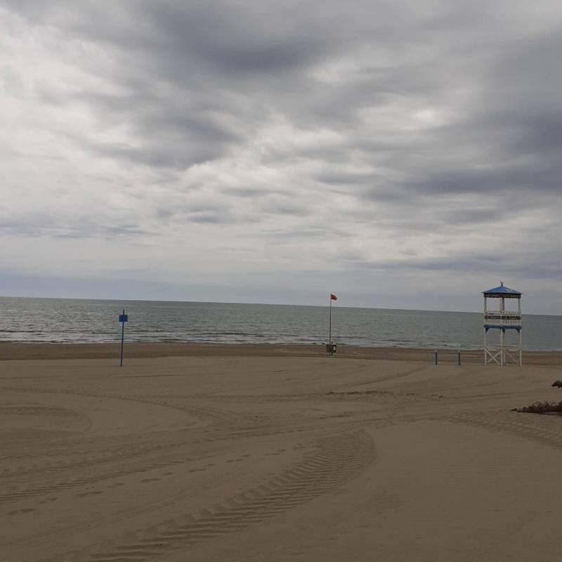 Spiaggia in attesa