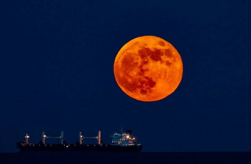 Luna rossa del 26 maggio 2021
