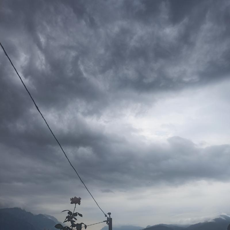 Pioggerella con nubi a banchi