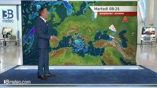 Migliora al Centro-Nord, le piogge si concentrano al Sud e in Abruzzo. Ventoso...