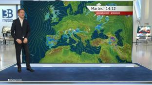 Rovesci diffusi al Nord, Toscana e Umbria; meglio altrove con più sole al Sud...