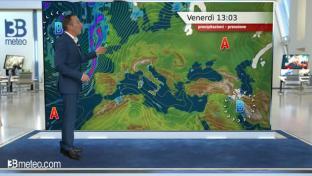 Nubi su Pianura Padana, Liguria al Centro e parte del Sud. Soleggiato sulle Alpi...