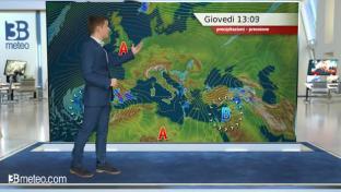 Nubi su Adriatiche e Val Padana, qualche fenomeno in Abruzzo. Più sole altrove...