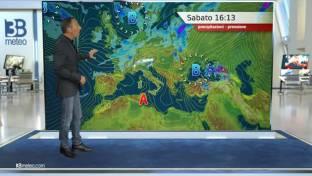 Piogge e brevi rovesci sparsi al Nord e su alta Toscana; soleggiato altrove...