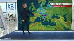 Piogge e temporali in veloce trasferimento verso il Centrosud; schiarite al Nord...