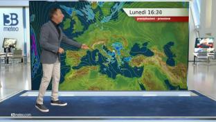 Residua instabilità fra Adriatiche e Sud, sole prevalente altrove. Clima fresco...