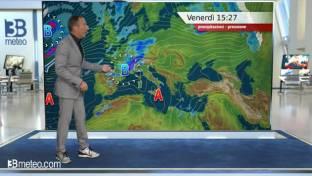 Piogge al Nord specie su Nord Ovest e Alpi. Peggiora in Toscana, sole altrove...